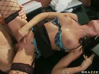 Schnecke im erotisch unterwäsche having xxx bei arbeit