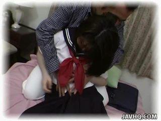 Asiatisk skolejente having gal intercourse