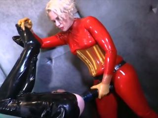 Latex Mistress Using Her Huge Strapon, Porn e5