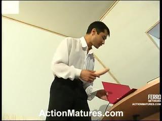 milf sex, porn meitene un vīriešu gultā, porn in and out action
