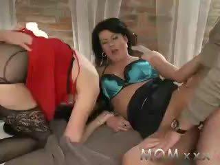 orgasmu, foreplay, brunetes