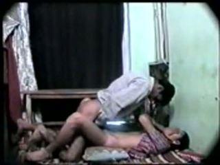 Desi indisk jente første tid sex med henne boyfriend-on kamera