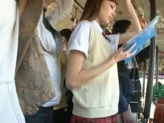 Kaori maeda has її гаряча вагіна pie fingered в a публічний автобус