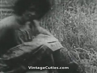 Punca s velika joški in poraščeni kurba zajebal v polje