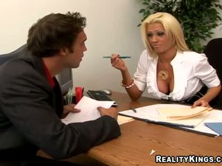 Krūtainas blondīne tanya james jāšanās grūti an employees
