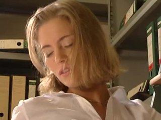 Anja juliette laval - kaakit-akit aleman sekretarya fucks kanya workmate