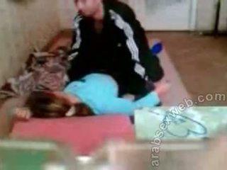 Arab koppel neuken op de vloer privé seks video-