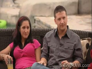 Kusut games help these swingers couples to know each other