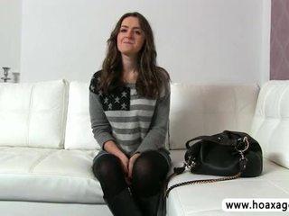 جميل euro فتاة kendra مارس الجنس و jizze خلال لها تجربة الاداء