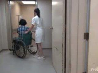 Sie are im die krankenhaus und dies mieze part1