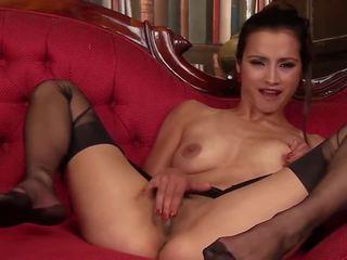 Dusky beauty: falas çorape të gjata pd porno video 8b