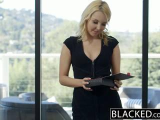 Blacked 漂亮 金發 hotwife aaliyah 愛 和 她的 黑色 lover