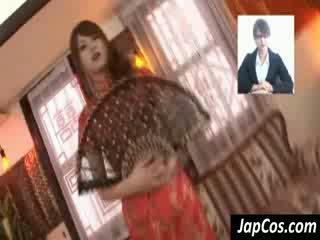 Tynn asiatisk geisha gets teased