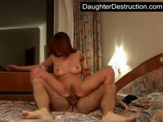 Jong meisje pounded hard door groot lul