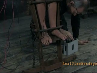 Divé slaves waiting pre tortures