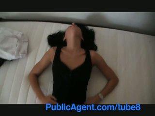 Publicagent splendido estate agent sells se stessa