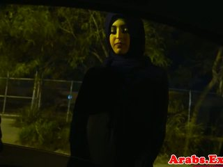 Arab hijabi מזוין ב אסור הדוקה כוס: חופשי פורנו 74