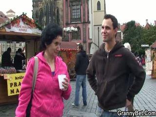 Mai mari turist has picked în sus și intercoursed