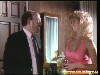 nago w kuchni, retro porno, seks w stylu vintage