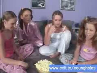 Đồng tính nữ bên 4 18 years thanh thiếu niên video