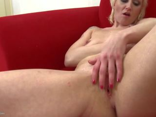 Real Mature Mom with Fire Between Legs, Porn b4