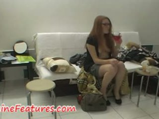 Pentas belakang video dengan warga czech si rambut merah newbie
