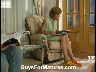 Esther и adrian violent възрастни порно