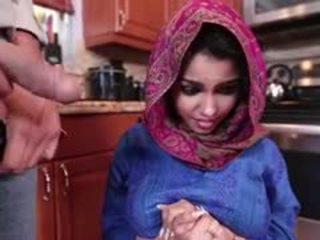 Ada yang miang/gatal arab remaja gets fucked dan filled dengan air mani