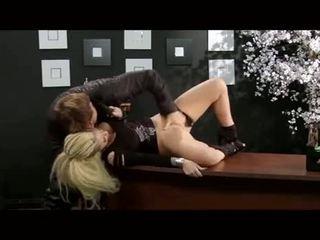 Christy mack gefickt im ein büro