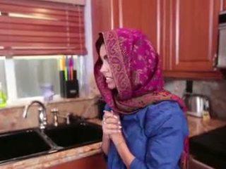Arab тийн ada gets а warm путка cream