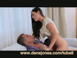 μελαχροινή, νέος, στοματικό σεξ