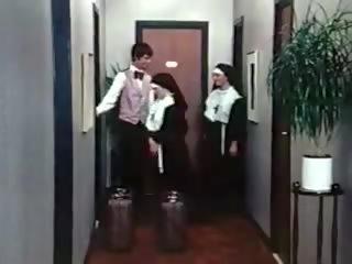 花癲者 nuns 經典 191970s 丹麥的, 免費 色情 05