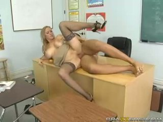 Breasty abby rode acquires henne tiny fittor nailed hård och takes impure cumblast