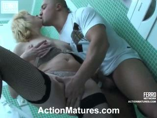 Emilia と nicholas セクシャル elder プロセス
