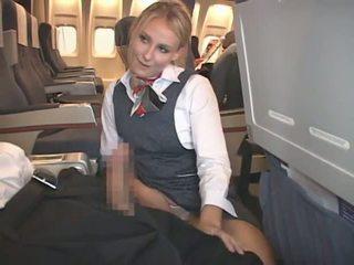 금발의 flight attendant & 아시아의 guy