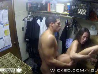 Κακός - kalina ryu gets πατήσαμε σε ο closet
