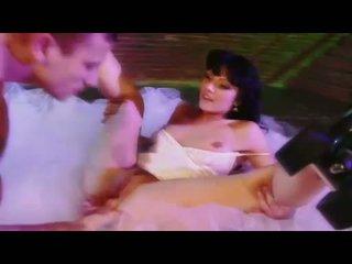 Sexy babe ava rose gets haar poesje eaten en swallows een groot hard lul