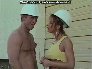 Clásico porno película con un handsome bilder