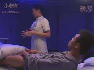 Dandy-078-cfnm noc sestrička sees erect kokot a jer