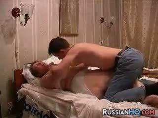 Ryska par göra en kön tape