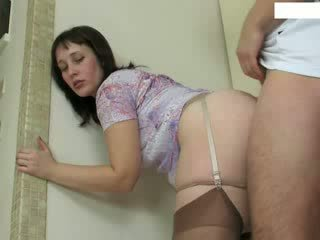 Mature Housewife Fucks Young Repairman Video