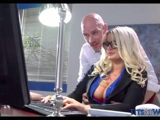 Jāšanās ar thick blondīne sekretāre, bezmaksas porno 41