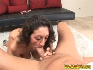 Brunett slampa persia monir pov cocksucking