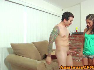 Tenger vrouwelijke dominantie babe enjoying cfnm fetisj, porno c6