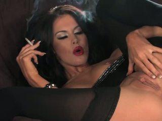 Megan coxx-smoking এবং হস্তমৈথুন