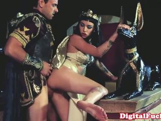 Egyiptomi picsa szopás és baszás kemény