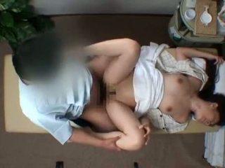 Mosaic; reluctant hustru seduced av masseur