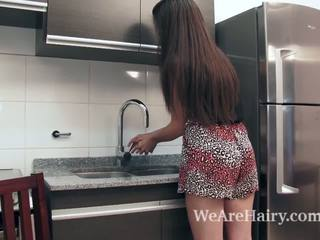 Virgin masturbates -ban a konyha után egy peach
