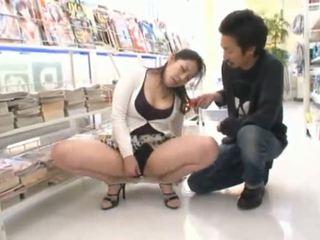 Verejnosť masturbation takmer the japonské med ayane asakura