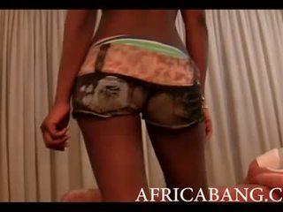 Afričan amatér boned těžký podle bílý člověk